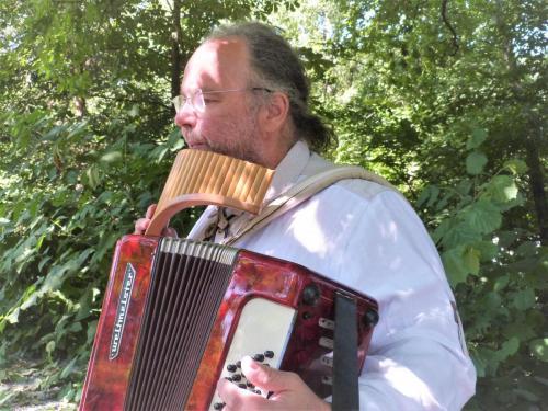 Akkordeon und Panflöte gleichzeitig - Andreas live