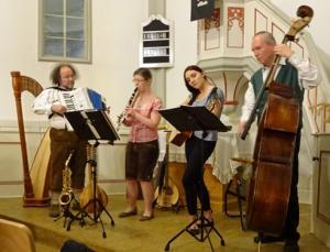 Alte Kapellenschule Eisern-2016-Quartett - Giebelwälder Weihnacht